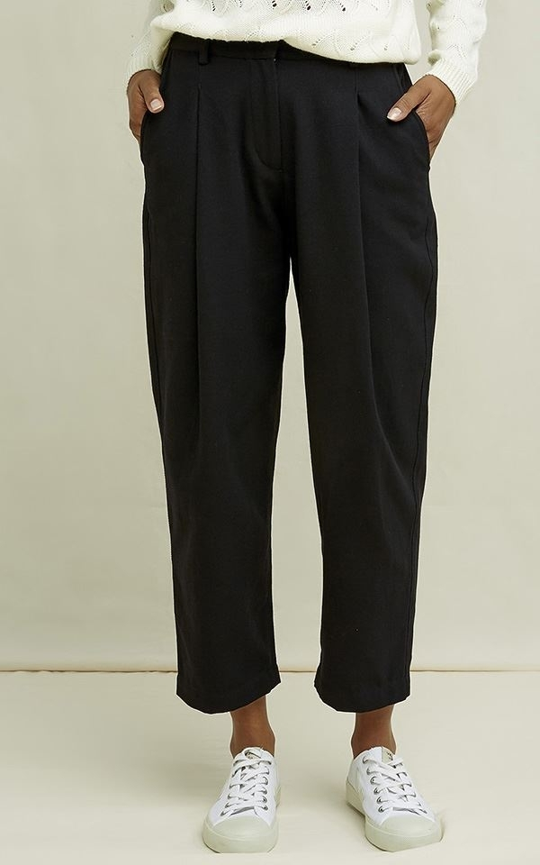 Trousers Helka Tapered