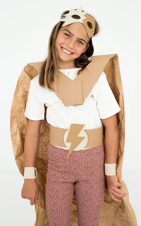 Costume DIY Superhero from Het Faire Oosten